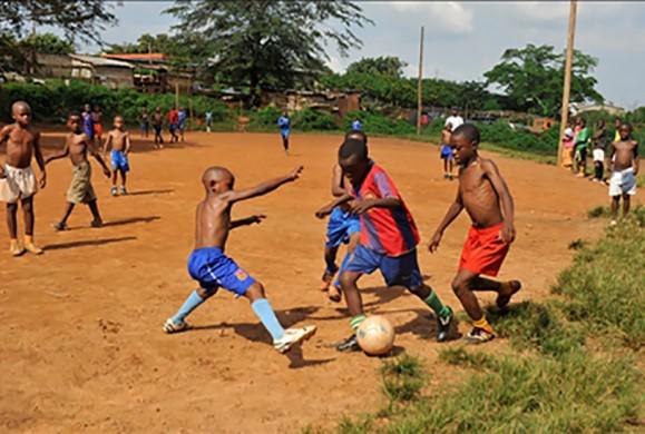 Où sont passés les petits-goals ? Enquête sur la disparition d'une discipline culte au Cameroun.