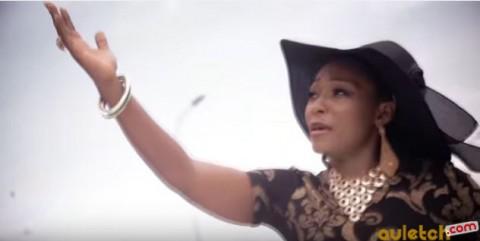 Découvrez 'Infidèle', le nouveau clip de Lynda Raymonde