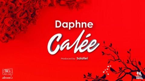"""Écoutez la nouvelle chanson de Daphne : """"Calée"""""""