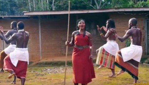 "Kareyce Fotso présente ""Azany"", son nouveau videogramme"