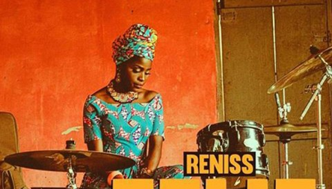 "Reniss va come-out le clip de ""Zelie"""