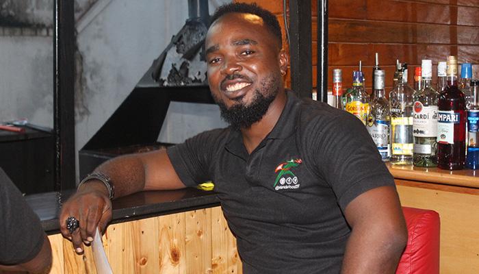 Chef Stépahne, friend's food Douala, restauration rapide