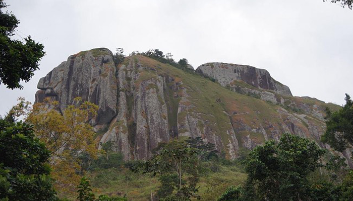 Ako Akas, Rocher, Ebolowa, Cameroun